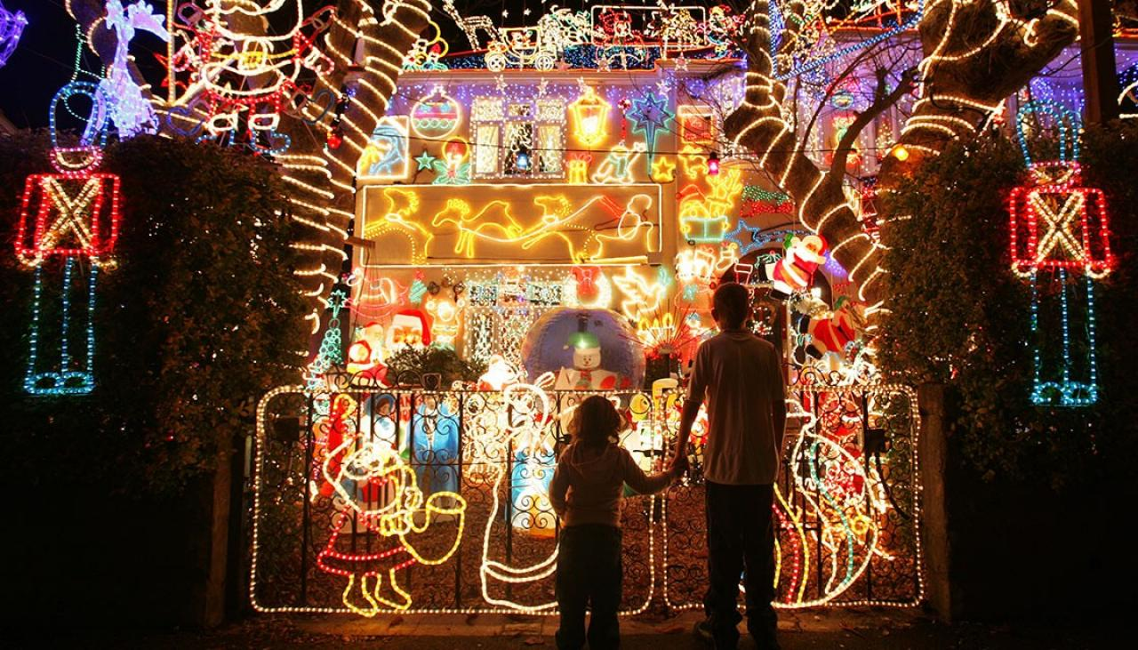 The best places to see Christmas light displays around the country